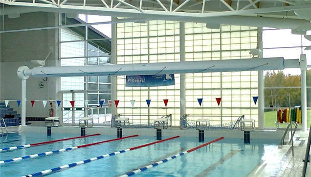 Heat retention swimming pool covers for lesiure centres for Pool design education